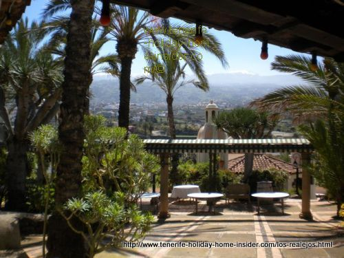 Meson el Monasterio with its farm zoo, park and Montaneta del Fraile.