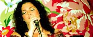 Anna Rodriguez spanish news jazzsinger singing the blues