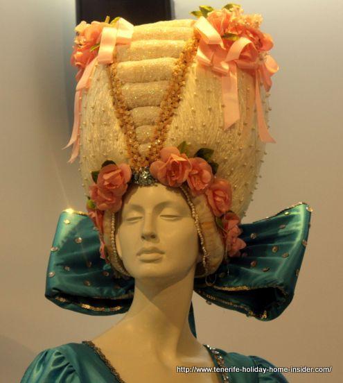 Antique hat for 1982 Queen Maria del Pino Martin by Luis Dávila.