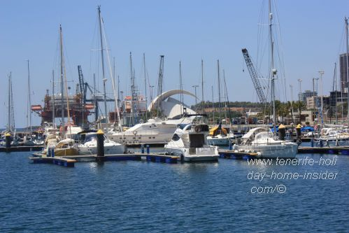 Auditorio Adan Martin of Santa Cruz de Tenerife behind the new yacht harbor of Plaza de España. Hence, a new access.