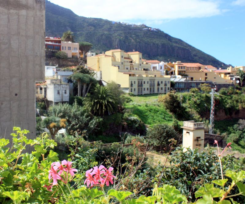 Barranco Godinez with Hotel Rural Bentor back terrace on the far right.