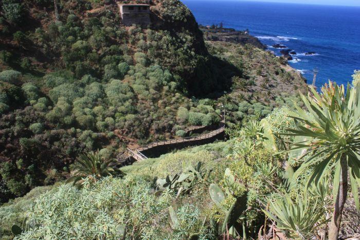 Barranco Ruiz bridge below hamlet La  Tropicana of San Vincente.