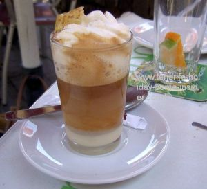 Barraquito with cream coffee served at Park Garcia Sanabria