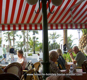 Beach cafe view to Lago Martianez