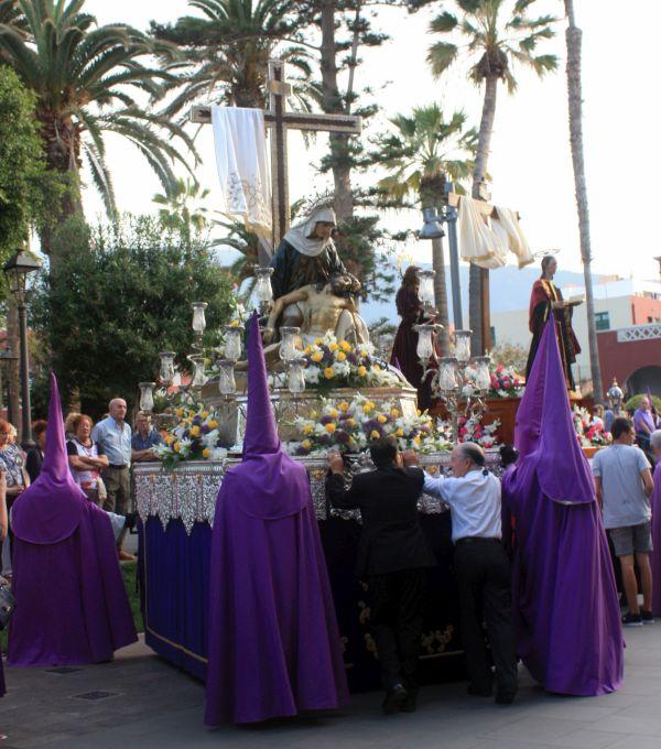 Behind the scenes of Good Friday Puerto Cruz.