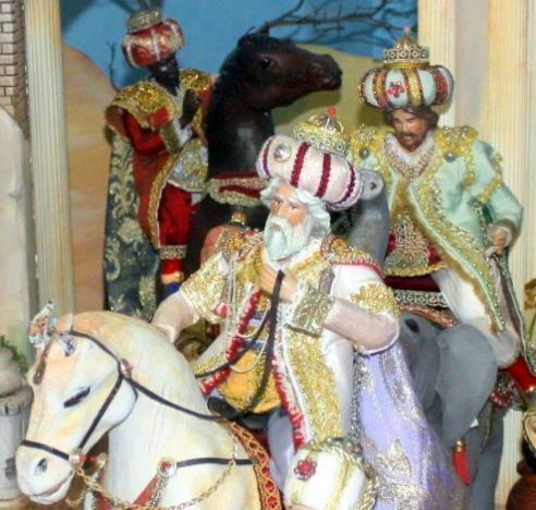 Biblical Magi on horseback in nativity scenes.