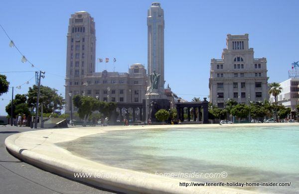 In fact a more than five hectares big town square the Plaza de España alias Plaza del Agua of the Canary Islands archipelago