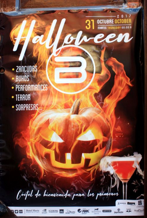 Blanco Bar near Plaza Charco for Halloween 2017 party