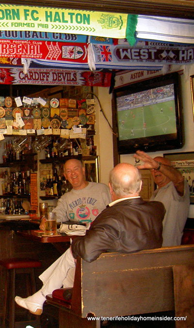British expats in a Tenerife Puerto Cruz sports pub