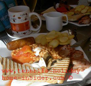 British sports bar Medano English breakfast