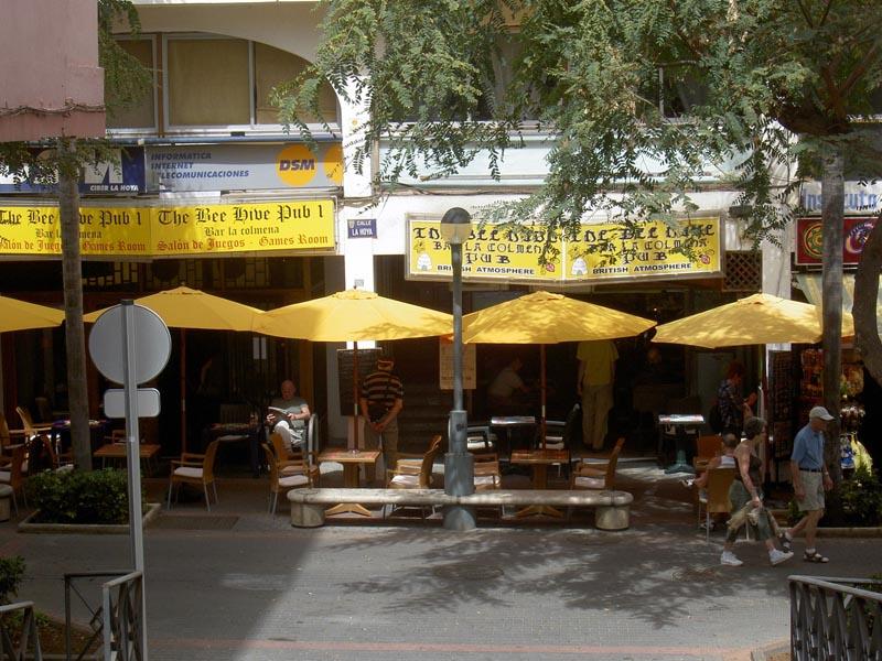 Calle Hoya Sports bar