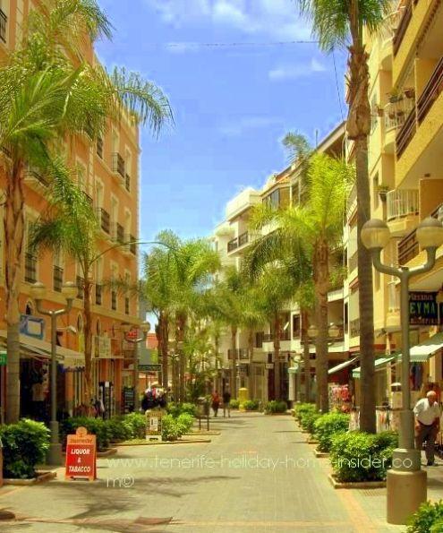 Calle la Hoya Puerto de la Cruz where small apartments, such as studios are often for sale.