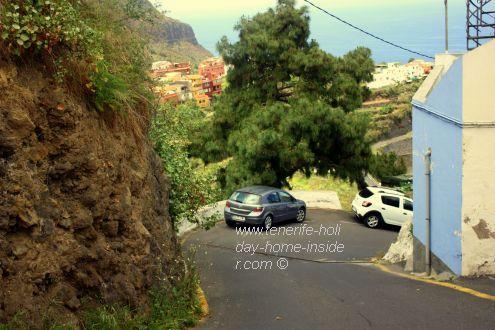 C/ Toscas de Romero a One-Way where good brakes are a must have just below Camino Era de los Guines.
