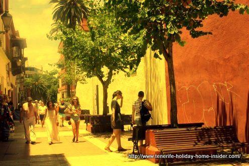 Calle Quintana the short, but most important pedestrian street of Puerto de la Cruz.