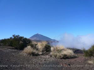 canadas del Teide  with cloud bank rising