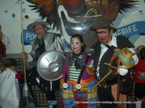 Carnival disguise Chevaliers and girl clown at the Nifu-Nifa house
