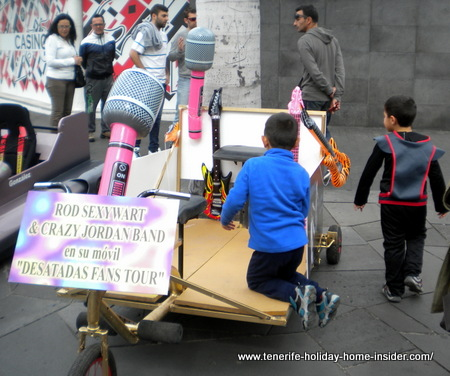 Carnival novelties such as crazy carts Carros Locos in Spanish Carnival terms mesmerize little boys.
