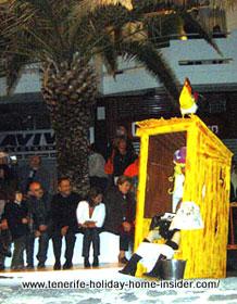 Carnival Toilet of Mascarita spectacle Puerto de la Cruz