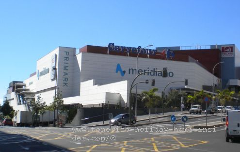 Carrefour at CC Meridiano in Santa Cruz de Tenerife Avda.3 de Mayo