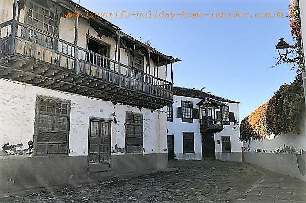 Casa de Los Delgado Orama with a remarkable open balcony which faces the former Alhondiga now Casa Cultura