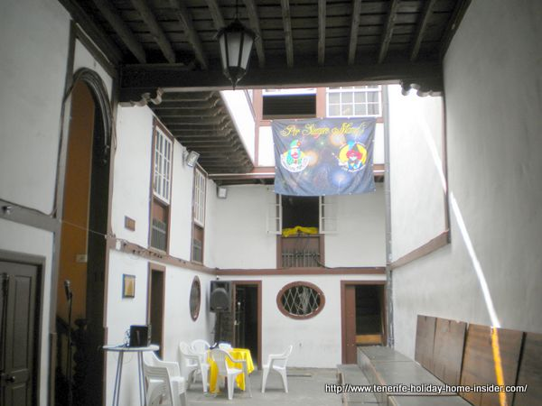 Casa del Miedo Patio where the Murga Mamel's meet