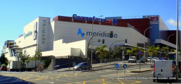 Centro Comercial Mediano with Carrefour in Tenerife capital