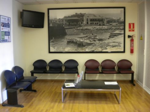 Centro Medico Vida Las Arenas Puerto de la Cruz with free interpreters to assist health care for non Spanish speakers.