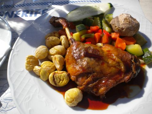 Christmas Duck with chestnuts and vegetables of the season.