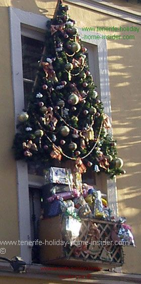Christmas window decorations Orotava