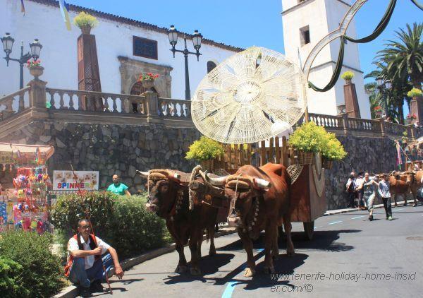 Church Iglesia Santiago Apostol with ox cart.