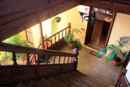 Country Hotel Hotel Bentor in Tenerife with two stories.