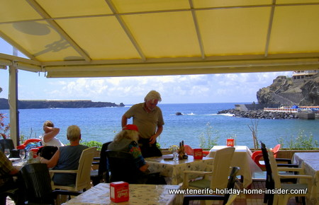 Cosina deDona Rosa restaurant terrace for Italian cuisine