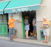 Cueing outside a Tenerife bar restaurant of delicious Paella.