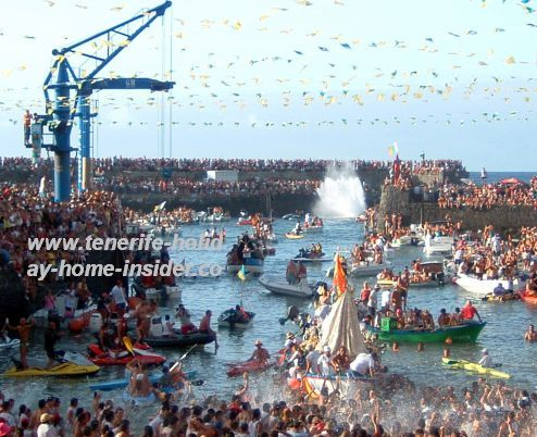 Dia del Carmen July 11 of Fiestas del Carmen with San Telmo's and the Madonna's ocean outings in Puerto de la Cruz.