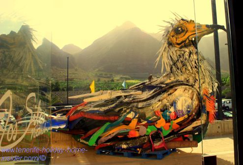 Egyptian vulture the extinct Guirre of Teno Bajo as giant street art by the environmental awareness artist Bordalo II
