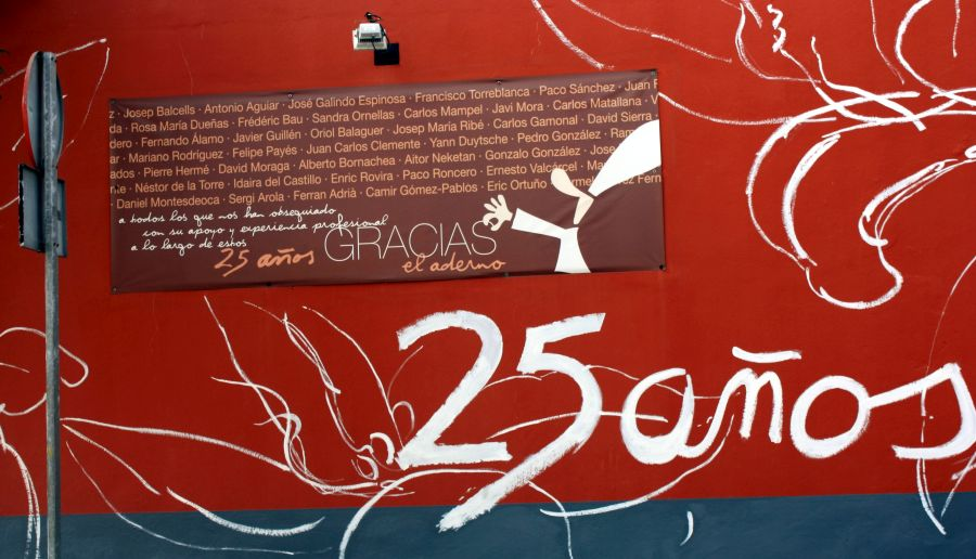 El Aderno a gentleman painted thank you to collaborators of 25 years on his shop front and naming them all