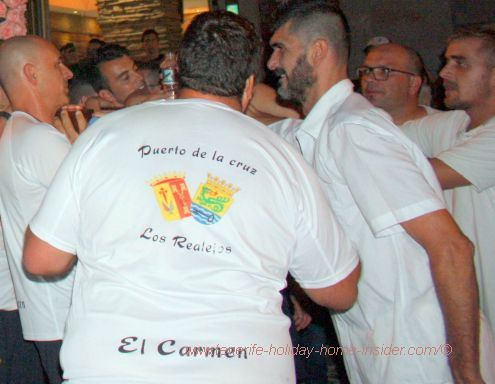 El Carmen represented by Puerto de la Cruz so called Marinos who wear the emblematic t-shirt that has been especially made for the occasion.