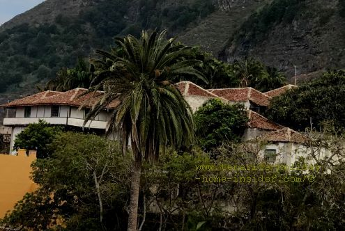 El Lamero Hacienda de Alonso del Hoyo with  Spanish clay roofs and houses that are said to be arranged like a U.