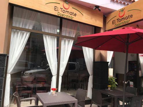 Restaurant El Tomate Gastrobar at Calle Longuera 22 - Telefono 822 905 526 - Abierto para Almuerzos and Cenas www.eltomategastrobar.com