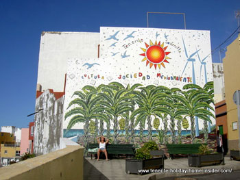 Environmental awareness by a mural in Tenerife Puerto de la Cruz.