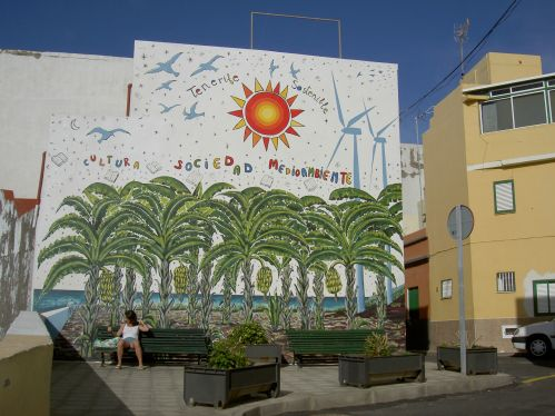 Environmental awareness represented by a gigantesque mural between the streets Pelinor and Calle Tegueste that was first to display ecological street art on walls in Puerto de la Cruz.
