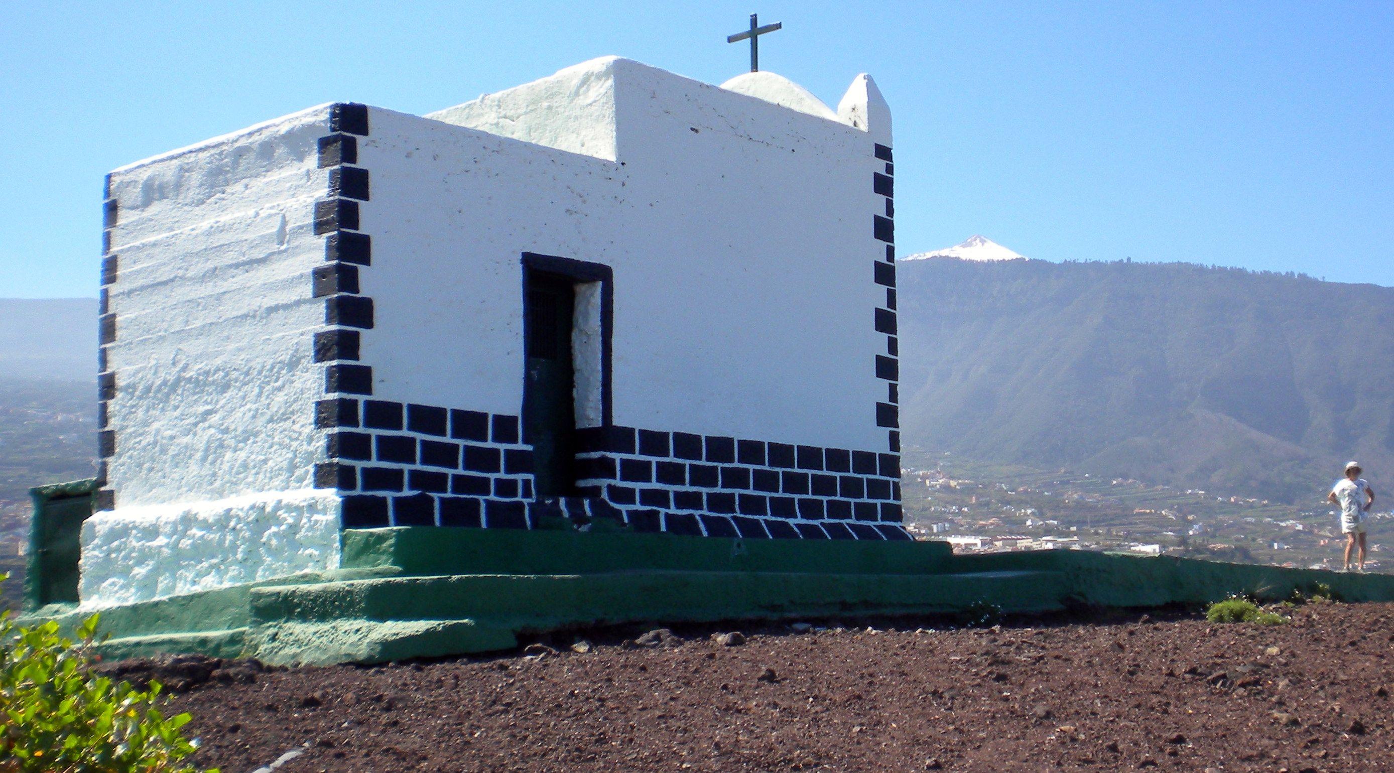 Ermita de la Cruz chapel of la Montaneta de los frailes