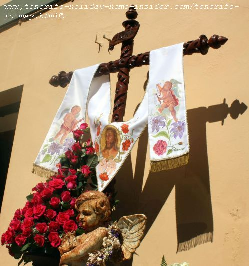 Fiestas de Cruces y Fuegos Los Realejos festivals of decorated crosses and Fireworks of BIC interest nationwide