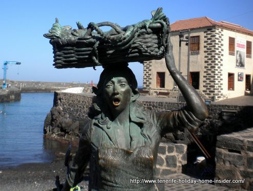 The Fishwife sculpture of Puerto de la Cruz.