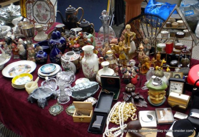 Flea Market treasures of kitsch or of value.