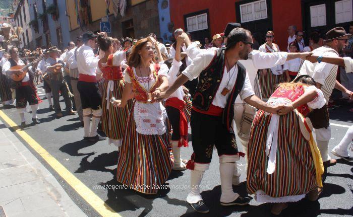 Folk dancing of local residents of Los Realejos.