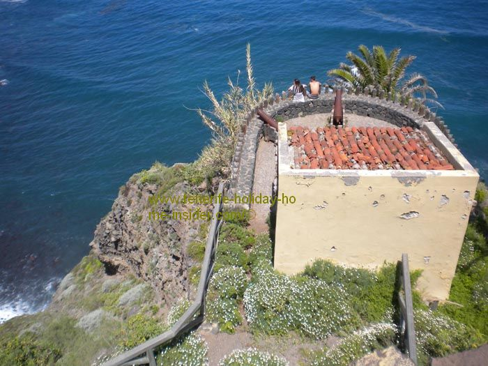The Fort El Fortin de San Fernando between Playa de Castro Camello and Playa de la Fajana.