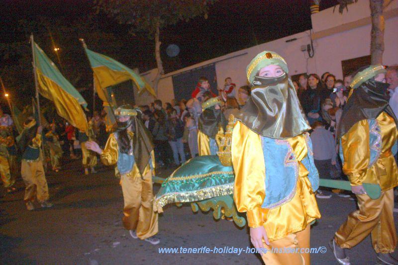 Helpers of los Reyes Magos in Puerto de la Cruz.