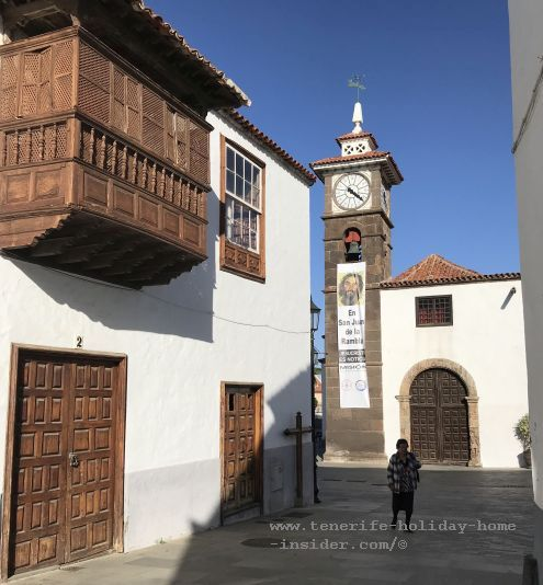 Calle Estrecha with the historic Casa de Los Oramas de Saá that belonged first to the widow of the town founder