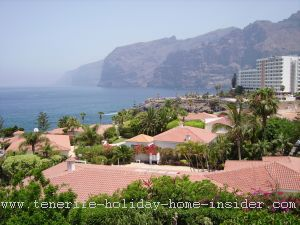 Hotel Los Gigantes and holiday home suburb